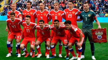 Russia Grasps With Danger of Being Worst On-Field World Cup Host Ever