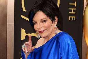 liza minnelli doesn't 'approve nor sanction' upcoming renee zellweger judy garland biopic