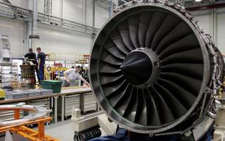 Derby MP calls for government to intervene over Rolls-Royce job axe