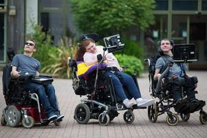 the three gloucestershire students who stephen hawking inspired get invites to memorial service