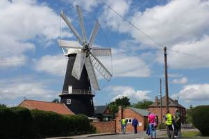 'we're sorry!' windmill volunteers apologise after sails nearly fly off