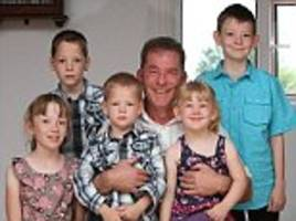 father raises eight children on his own using the 15-point plan penned by his wife before she died