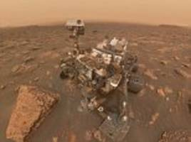 nasa's curiosity rover takes incredible selfie in the middle of a dust storm on mars