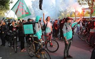 deliveroo to be investigated over pay and working conditions