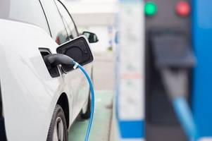 Drivers in Leicester not taking up electric cars as fast as the rest of the UK