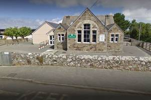 Police called to school near Newquay following reports of suspicious car