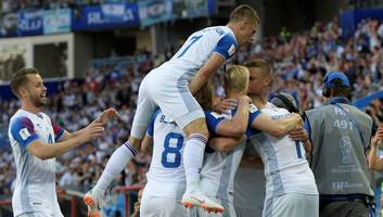 jose mourinho jokingly reacts to iceland's draw with argentina at world cup