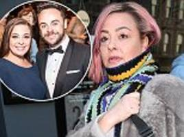 lisa armstrong 'refuses to hand over jewellery' ahead of divorce settlement