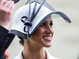 meghan markle channels audrey hepburn in my fair lady on her first outing to ascot