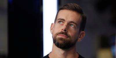 twitter ceo jack dorsey reportedly shared at least 17 tweets from a russian troll (twtr)