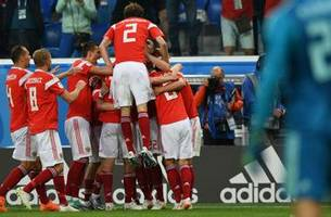Russia extends their lead to 3-0 over Egypt