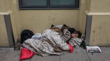 Rise in homelessness applications in Scotland reverses nine-year trend