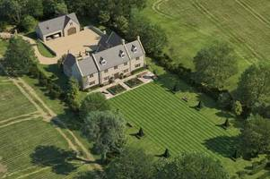 prince harry and duchess of sussex meghan markle reportedly build family home in the cotswolds
