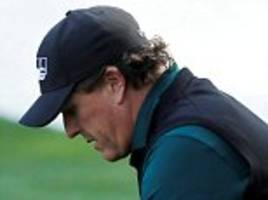 phil mickelson finally issues apology for deliberately hitting moving ball