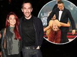 emmerdale star anthony quinlan splits from girlfriend dianne buswell