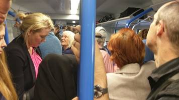 angry commuters in st albans 'kick gates' after thameslink delays
