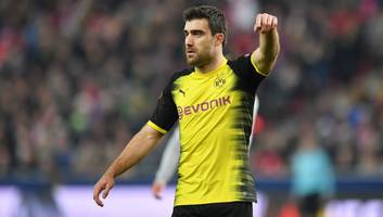 sky sports reporter reveals why arsenal have to hold off on sokratis announcement