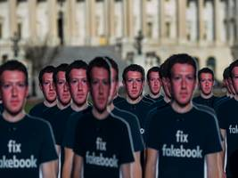 people are wildly polarized on whether they trust facebook
