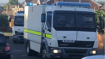Londonderry: Army bomb experts at incident in Londonderry