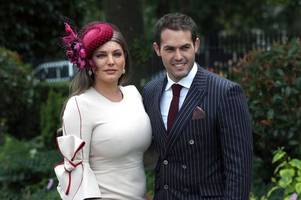 kelly brook defends photoshopping pictures to make waist look smaller