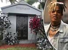 xxxtentacion's mother cleopatra calls late son her 'guardian angel' in photo of rapper's mausoleum