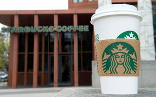starbucks extends 5p cup charge to all uk stores