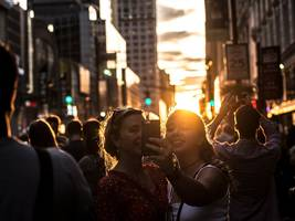 strange, beautiful 'manhattanhenge' sunsets are about to happen in new york city