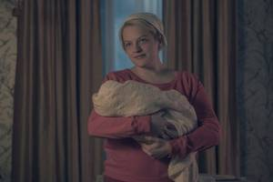 'Handmaid's Tale' Finale: Creator Explains June's Choice, Where Gilead Goes in Season 3
