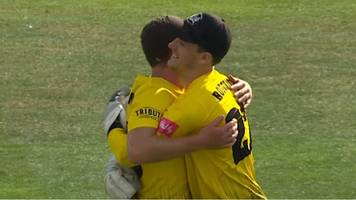t20 blast: gloucestershire edge out kent in thrilling final over
