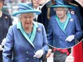 queen secretly changed her shoes during the raf centenary