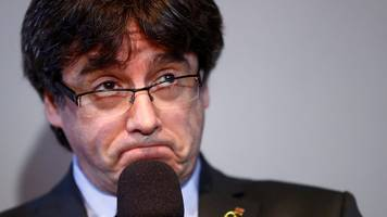 Carles Puigdemont: Ousted Catalonia leader faces extradition to Spain