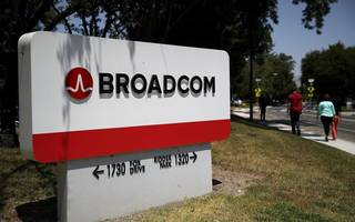 us chipmaker broadcom has $19bn wiped off its market value after new deal