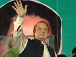disgraced former pakistan pm nawaz sharif heads to jail over corruption conviction after returning