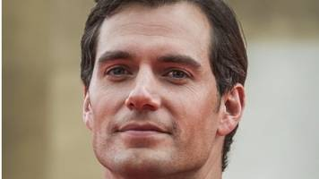 henry cavill: actor apologises after #metoo rape backlash