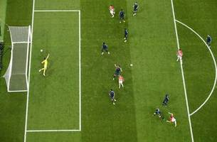 Watch another angle of Croatia's equalizer against France in the 2018 FIFA World Cup™ Final