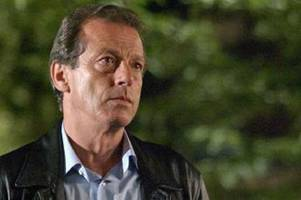 Why nobody from Eastenders was at Leslie Grantham's lonely funeral