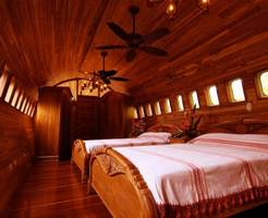 for $260 a night, you can stay in this boeing 727 airplane-turned-hotel suite perched 50 feet high in costa rica — take a look inside