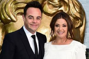 ant mcpartlin's estranged wife lisa armstrong flirts with 90s boyband star on instagram after debuting new look