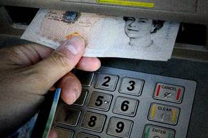 Cashpoint crooks steal £1k from Barclays customer in 'distraction theft' in Northfield