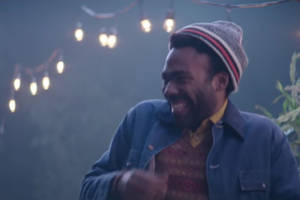 ryan gosling, donald glover screw up their lines in 'snl' blooper reel (video)
