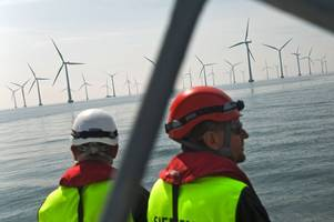 'cheap foreign workers being prioritised for offshore wind jobs', warn mps and trade unions