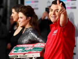 papa john's disgraced founder was reportedly discussing a merger with wendy's prior to his resignation after he said the n-word on a conference call (pzza)