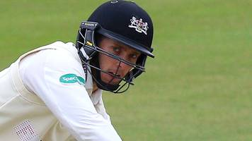 county championship: gloucestershire face final-day chase to beat sussex