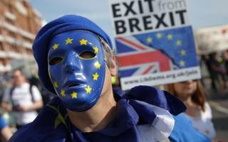 European Commission to ramp up warnings over no deal Brexit plans