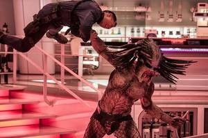 here's what we saw from 'the predator' in hall h at comic-con