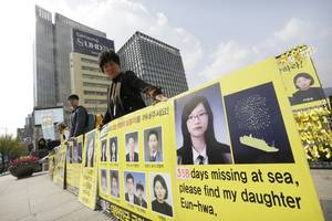 South Korean Court Orders Big Payouts to Families of Ferry Victims