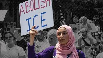 'Abolish ICE': Could controversial US migrant force be broken up?