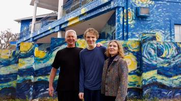 Florida Starry Night house mural couple told artwork can stay
