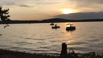 eight dead as us 'duck boat' capsizes