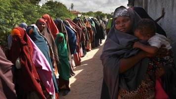 trump administration extends protection for somali immigrants